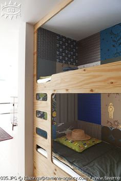 the boo and the boy: bunkbeds Could wrap old shirts on boards instead of fabric