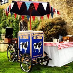 Living the Cream's vintage trike, ideal for weddings, even winter!  Good excuse for hot chocolate fudge sauce.
