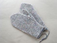 Twined Knitting mittens