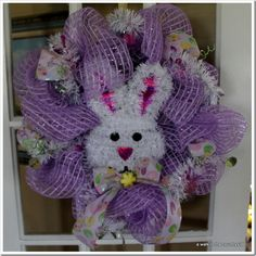 Easter Mesh Wreath how to