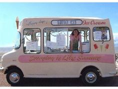 cute ice cream van for my dessert food truck someday Ice Cream Man, Ice Cream Party, Mini Camper, Food Trucks, Food Vans, Vintage Ice Cream, Coffee Truck, Vintage Trailers, Summer Fun