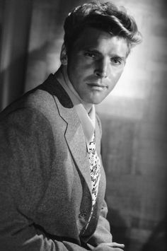 Burt Lancaster, the first  in the Scorpio family to win a Oscar. He won for his role in Elmer Gantry. Born November 2. #Oscars #Scorpio