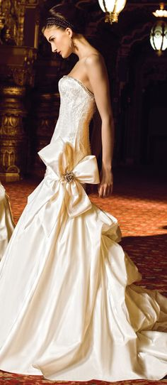 Yumi Katsura ~ Couture Satin+Lace Bridal Gown w Large Side Bow and Extended Layered Train 2013