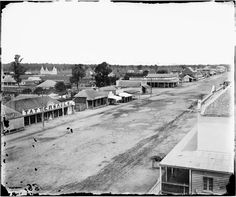 Dubbo: Maquarie St, looking south from Moffats Mill
