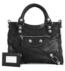 Lovely handbags to carry out