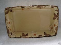 Café Royal Rectangle Microwave Baker Dish ~ Franciscan Ware ~ Hand Painted Pre-Owned No chips/cracks ~ Normal Utensil Wear Made ins USA ~ Discontinued Pattern Pattern Run: 1980 Franciscan Ware, Gravy Boats, Missing Piece, Noritake, Vintage Dishes, Earthenware, Dinnerware, Microwave, Hand Painted