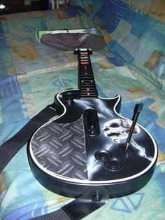 airbrushing guitars | PS3 Airbrush Les Paul Guitar Hero