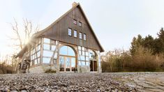 Modern Architecture House, Facade Architecture, Residential Architecture, Rustic Loft, Rustic Cottage, Rustic Exterior, House Layouts, Sheep Pen, Barn