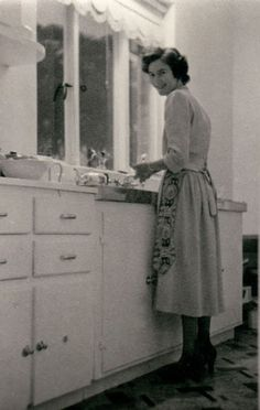 +~+~ Vintage Photograph ~+~+  Mother in the kitchen