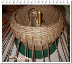 Návod na guľatý košík s ruličkami po stene