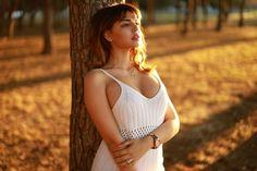 Ideas on How to Choose Free Dating Site to Meet Arabian Women Online South American Women, Hot Girls, Arabian Women, Latina Girls, Green Bikini, Woman Standing, Models, Photography Women, Girls Image