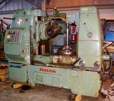 PFAUTER #P630 UNIVERSAL VERTICAL GEAR HOBBER -  LOTS OF CHANGE GEARS