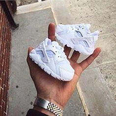 Nike Huarache Run - Boys' Toddler So Cute Baby, Cute Baby Shoes, Cute Baby Clothes, Cute Babies, Baby Boy Clothes Nike, Boy Babies, Babies Clothes, Fashion Kids, Baby Girl Fashion