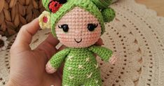 Patrones gratuitos y de pago para tejer muñecos de crochet/ganchillo(amigurumis). Amigurumi Doll, Cactus, Dolls, Disney Crochet Patterns, Crochet Magazine, Felt Art, Crochet Dolls, Yarn Balloon, Baby Dolls