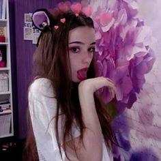 Cute Young Girl, Cute Girl Pic, Cute Girls, Film Aesthetic, Aesthetic Girl, Girl Tongue, Cute Shirt Designs, Western Girl, Russian Beauty