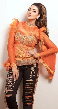 Pakistani Dress Design, Pakistani Dresses, Blogger Girl, Cute Girl Photo, Bollywood Fashion, Girl Photos, Cute Girls, Designer Dresses, Celebs