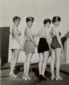 1940s beachwear! #Forties #Vintage. Fashion