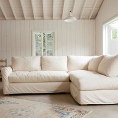 Comfortable sectional sofas and couches maximize space and exude relaxation in your living room. Small Sectional Sofa, Sofa Couch, Comfy Sofa, Sofa Design, Interior Design, Shabby Chic Sofa, Shabby Chic Furniture, Farmhouse Furniture, Furniture Slipcovers