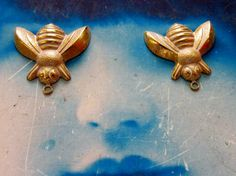 Gold Plated Frosted White PatinaBrass Bumble Bee Charms 1082WHT x2 by…