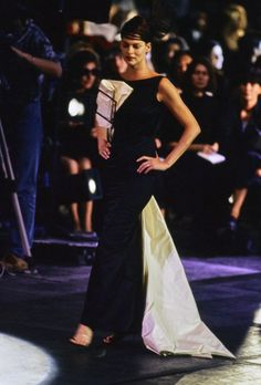 John Galliano Spring 1996 Ready-to-Wear Fashion Show - Linda Evangelista
