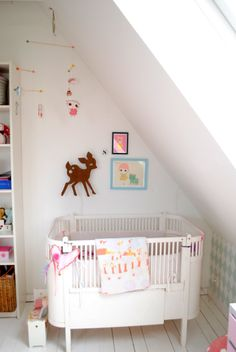 kids room.. - Love the way the crib is positioned - very cozy