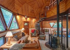 Vaulted great room with lots of angles in the geodesic dome cabin at - dome house Monolithic Dome Homes, Geodesic Dome Homes, Circle House, Rammed Earth Homes, Dome Structure, Log Cabin Furniture, Dome House, Cabins And Cottages, Round House