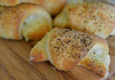 Ostehorn - en garantert vinner til matpakken - Franciskas Vakre Verden Piece Of Bread, Beautiful World, Bagel, Food And Drink, Lunch, Cheese, Snacks, Eat, Cooking