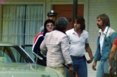 ELVIS PRESLEY PHOTO´S BLOG 3- 1970-1977: Arriving at room 105 of the Holiday Inn in Pine Bluff Arkansas at 6:30 p.m. on September 7, 1976