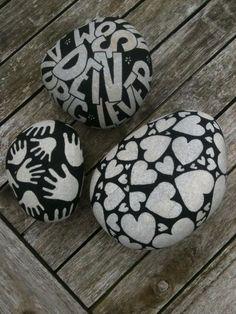 Billedresultat for male på sten Pebble Painting, Dot Painting, Pebble Art, Stone Painting, Stone Crafts, Rock Crafts, Pebble Stone, Stone Art, Inspirational Rocks
