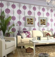 Wohnzimmer Tapeten Ideen Florales Tapetenmuster Frische Dekokissen. Mehr  Sehen. Purple Flower Wallpaper For Living Room