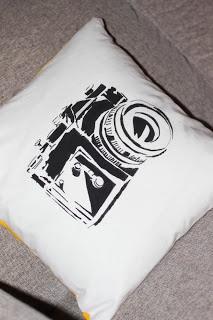 Estetiske uttrykk Snoopy, Pillows, Retro, Fictional Characters, Art, Art Background, Kunst, Performing Arts, Cushions