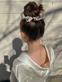 Summer Hairstyles, Cute Hairstyles, Scrunchy Hairstyles, Popular Hairstyles, Hair Inspo, Hair Inspiration, Coiffure Hair, Silk Hair, Aesthetic Hair