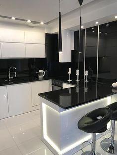 Kitchen Bar Design, Luxury Kitchen Design, Contemporary Kitchen Design, Home Decor Kitchen, Interior Design Kitchen, Kitchen Bars, Modern Contemporary, Modern Design, Kitchen Cabinets