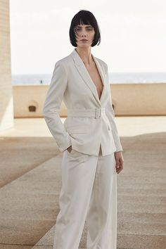 Trouser suit is a classic and elegant choice for the summer party. Trouser Suits, Trousers, Elegant, Classic, Party, Summer, Outfits, Style, Fashion