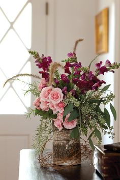 Inspiring 24 Valentines Day Flowers Arrangements https://ideacoration.co/2017/12/29/24-valentines-day-flowers-arrangements/ It is possible to buy a number of flowers and make an arrangement with their preferred flower and the traditional red rose.
