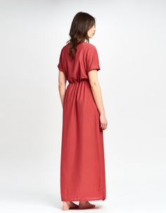 Maxikleid in rot mit Raglanärmeln von MARLEN. <3 #maxikleid #rot #reglanaermel #tunika #marlen #showroomde #kleid #lang