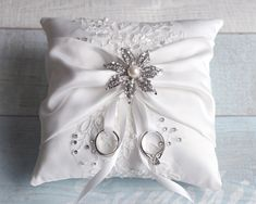Wedding Ring Bearer Pillow Detail Lace Ring Pillow Ring Pillow Decoration Wedding Ring HolderRhinestone Pearl Brooch Ring - Iphone Ring Holder - Ideas of Iphone Ring Holder - Wedding Ring Cushion, Wedding Pillows, Ring Bearer Pillows, Ring Pillows, Tiffany Wedding Rings, Ring Holder Wedding, Lace Ring, Rose Gold Engagement Ring, Finger