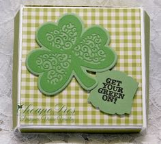 Vickie Y sharing a mini pizza box using the Exclusive Fancy Clover Cheapo Die to decorate the top of the box. Apple Baskets, Love Machine, Thanks Card, Elephant Love, Circle Shape, Hello Spring, Wishing Well, Pretty Cards, Cool Cards