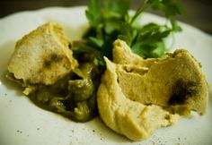 Hummus i Guacamole z chlebkami Chapati