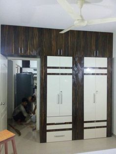 Wardrobe with Loft Wardrobe Laminate Design, Wall Wardrobe Design, Wardrobe Interior Design, Bedroom Closet Design, Bedroom Furniture Design, Modern Bedroom Design, Closet Designs, Bedroom Wardrobe, Bedroom Cupboard Designs