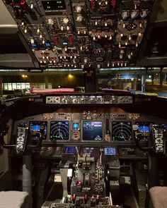 Biz geldik @corendon_airlines #basedonatrueholiday #amsterdam @aslitkizmaz @ilkerkizmaz @civilking by audiosoup