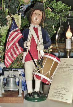 Colonial Williamsburg caroler