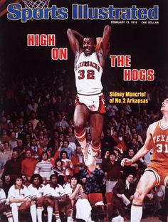 Sidney Moncrief of the Arkansas Razorbacks with the tomahawk jam!