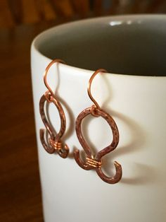 Hammered Copper Wirework Earrings by canvasandcrow on Etsy