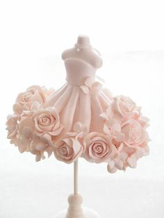 クレイで作る、バラのウエディングドレス トルソーデコ: