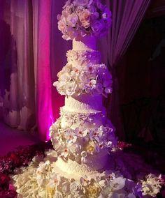 Let Them Eat (a Giant) Cake Sofia Vergara's wedding cake