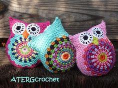 crochet owl pillows!.