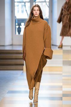 Jil Sander Fall 2017 Fashion Show, Milan Fashion Week, MFW, Runway, TheImpression.com - Fashion news, runway, street style, models