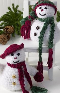 crocheted snowpeople