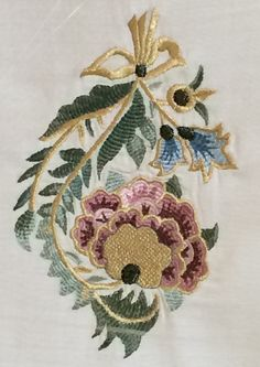 İSMEK 2015 Jacobean Embroidery, Embroidery Motifs, Beaded Embroidery, Floral Embroidery, Stitch Design, Knitted Blankets, Printing On Fabric, Decorative Boxes, Textiles